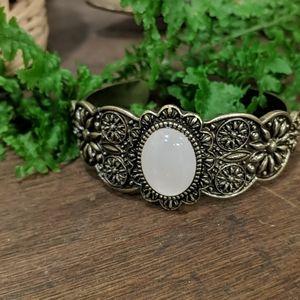 5/$25 ✨ AEO Rose Quartz Cuff Bracelet